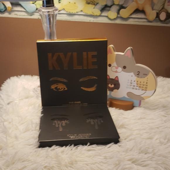 Kylie Cosmetics Other - Kylie Eyeshadow Palette BNIB